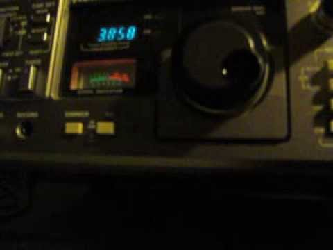 Kenwood R-1000 shortwave SWL radio receiver. Cussing ham radio operators.