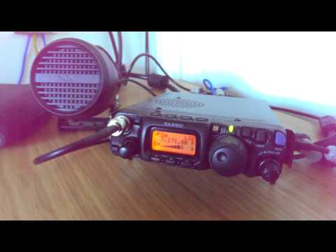 Yaesu FT-817ND listening to SSB on 40m and 20m